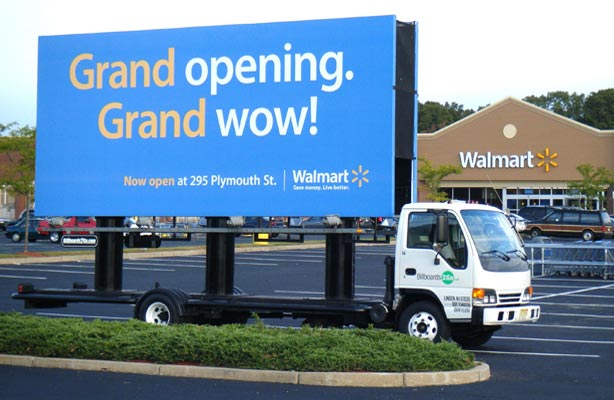 Billboards2Go.com Mobile Billboard image - Client Walmart
